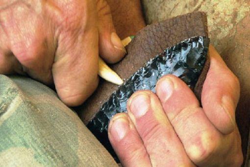 Flintknapping & Ancient Hunters