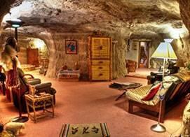 Risultati immagini per Kokopelli's Cave (Farmington, New Mexico)